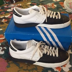 Two-tone Adidas Match Play